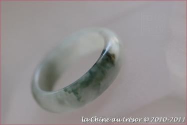 Bague jonc en jade blanc