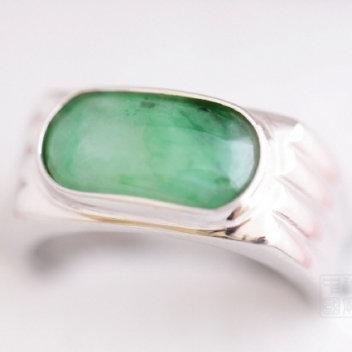 Bague chevalière en jade vert