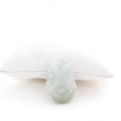 Pendentif cochon en jade blanc