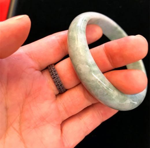 Bracelet jade diamètre D 58