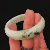 Bracelet jonc en jade marbré